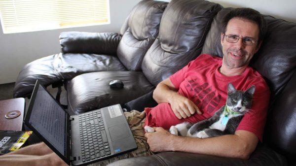 Hetfield helps Ian with some writing